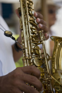 Man playing horn, canon 1Ds mark III