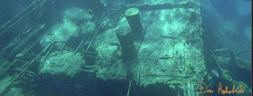 Cement-Deck-of-the-Shipwreck-Sapona-by-Dan-Podsibinski 845x321